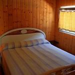 Schlafzimmer mit Doppelbett in Bungalow Gardasee 2 Personen
