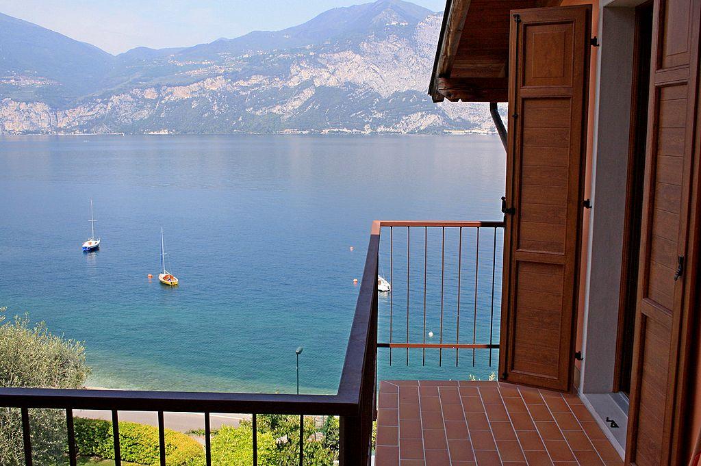 Balkon der Ferienwohnung Typ B in Camping Monja in Brenzone am Gardasee